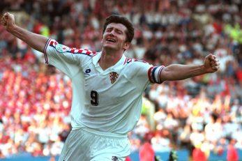 Davor Šuker slavi pogodak protiv Danske 1996.