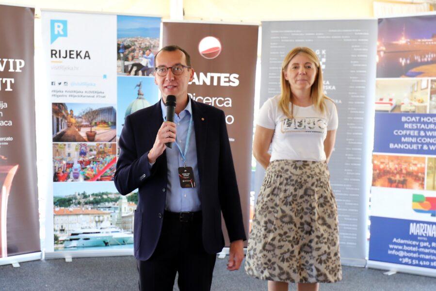 Gradonačelnik Marko Filipović na otvaranju eventa na botelu Marina