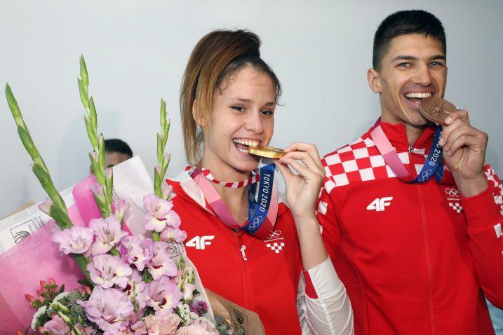 Matea Jelić i Toni Kanaet/Foto HOO