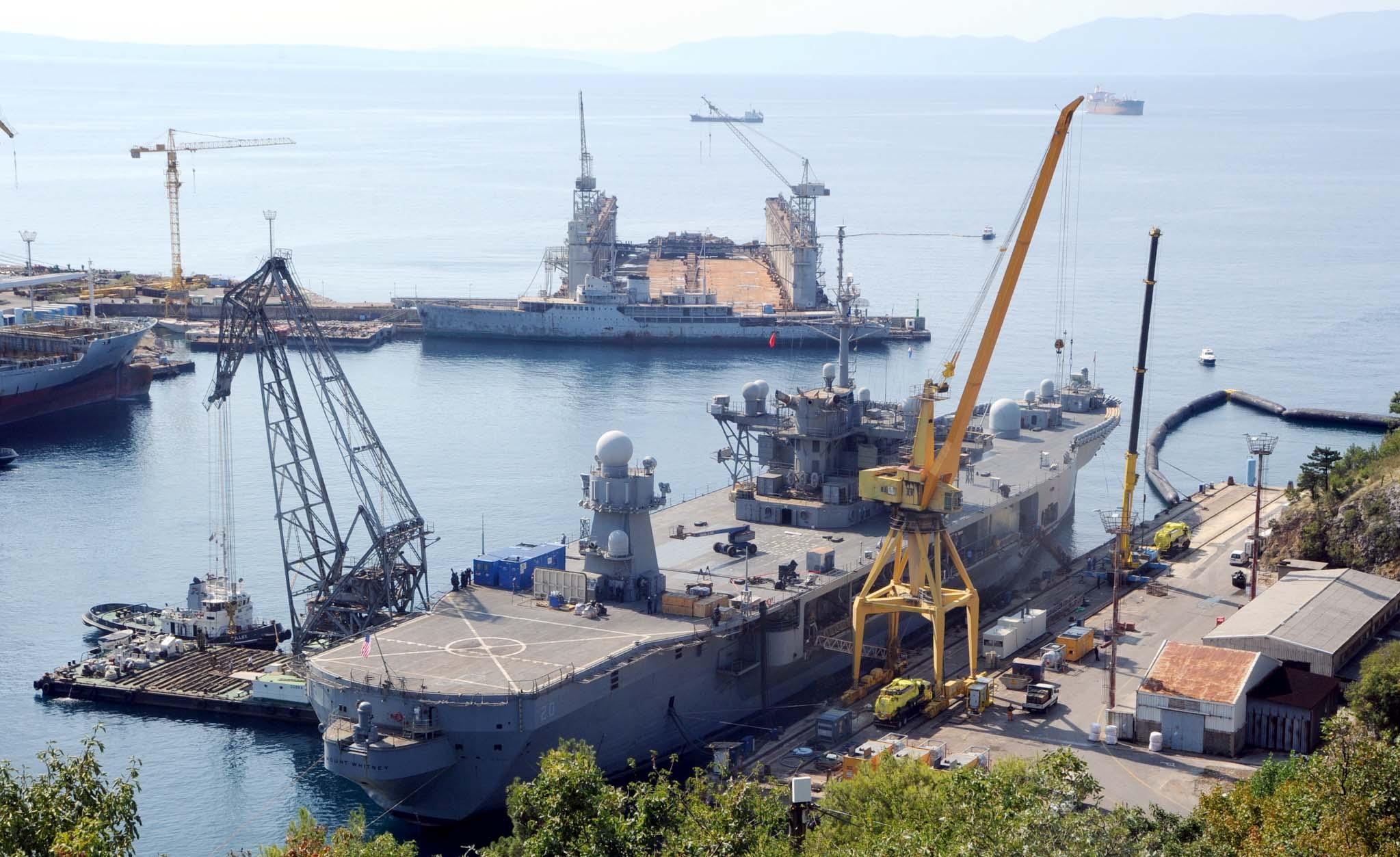 USS Mount Whitney na remontu u Viktor Lencu / Foto Vedran Karuza