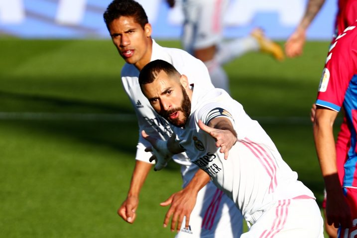 Karim Benzema i Raphael Varane/Foto REUTERS