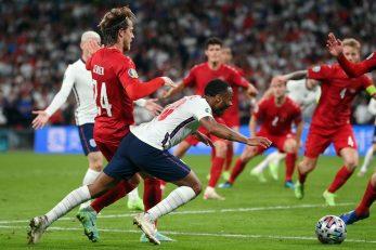 Sporan duel Raheema Sterlinga i Jaokima Maehlea/Foto REUTERS