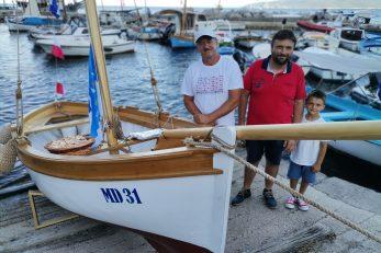 Ponosni na obnovljeni guc iz 1933. – vlasnik Ermano Jedretić i brodograditelj Loris Rubinić / Foto Marina Kirigin