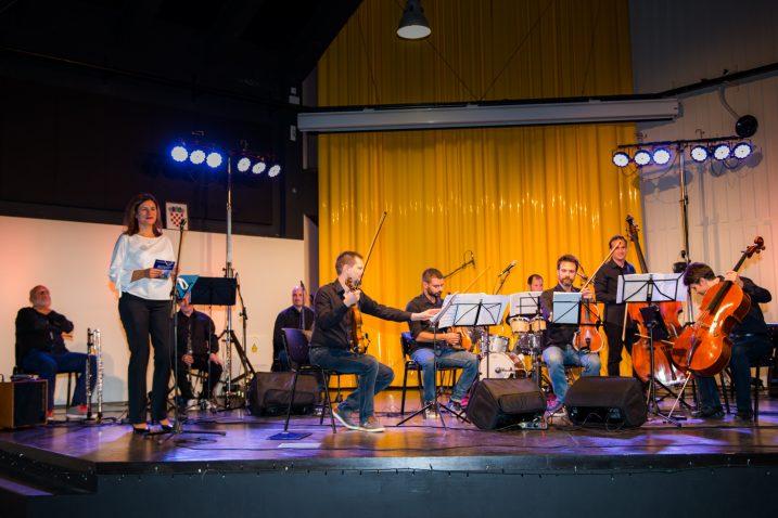 Koncert ansambla Acoustic Project u Bakru