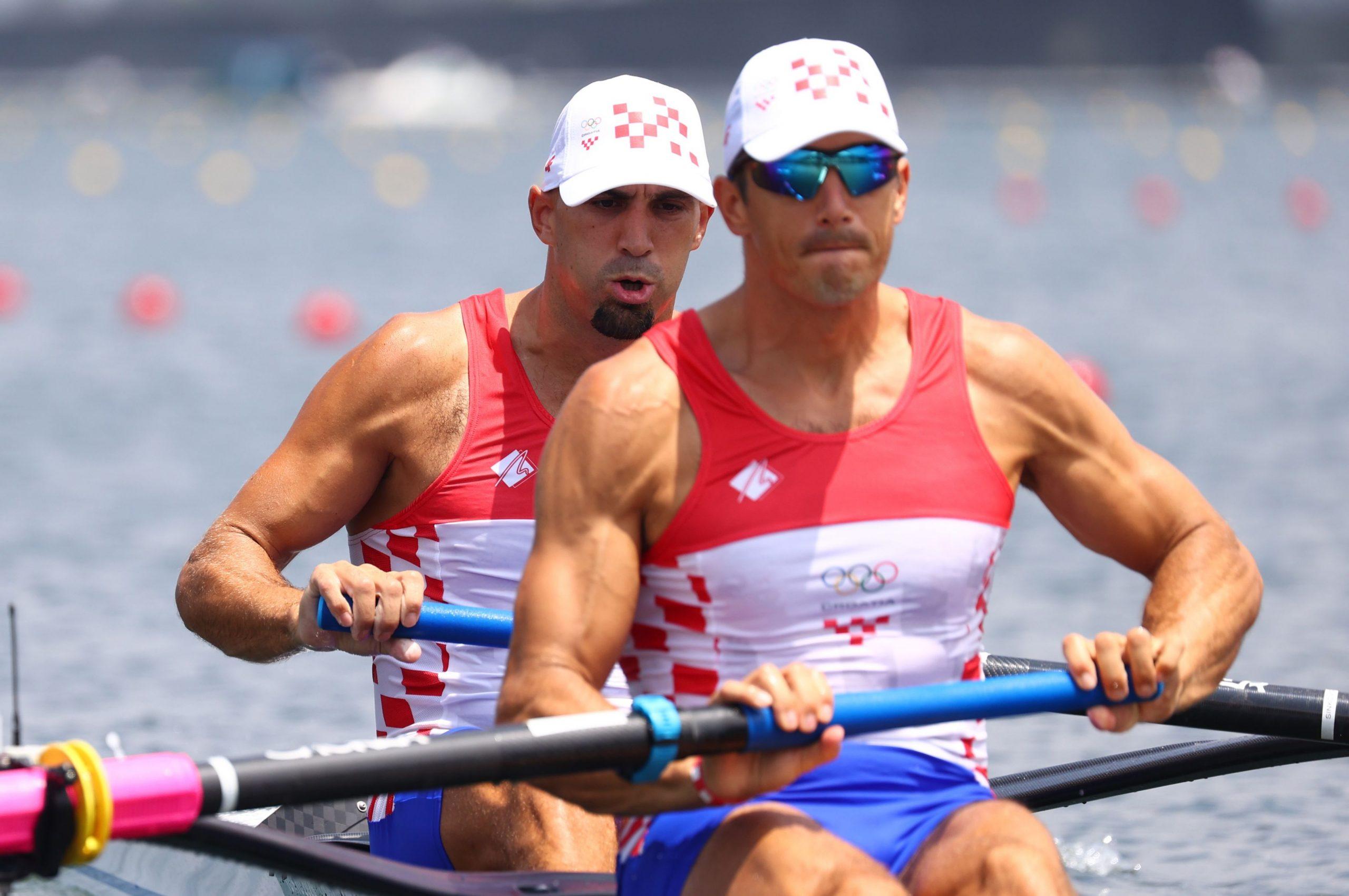 Braća Sinković kreću po medalju u 2.18 ujutro/Foto REUTERS