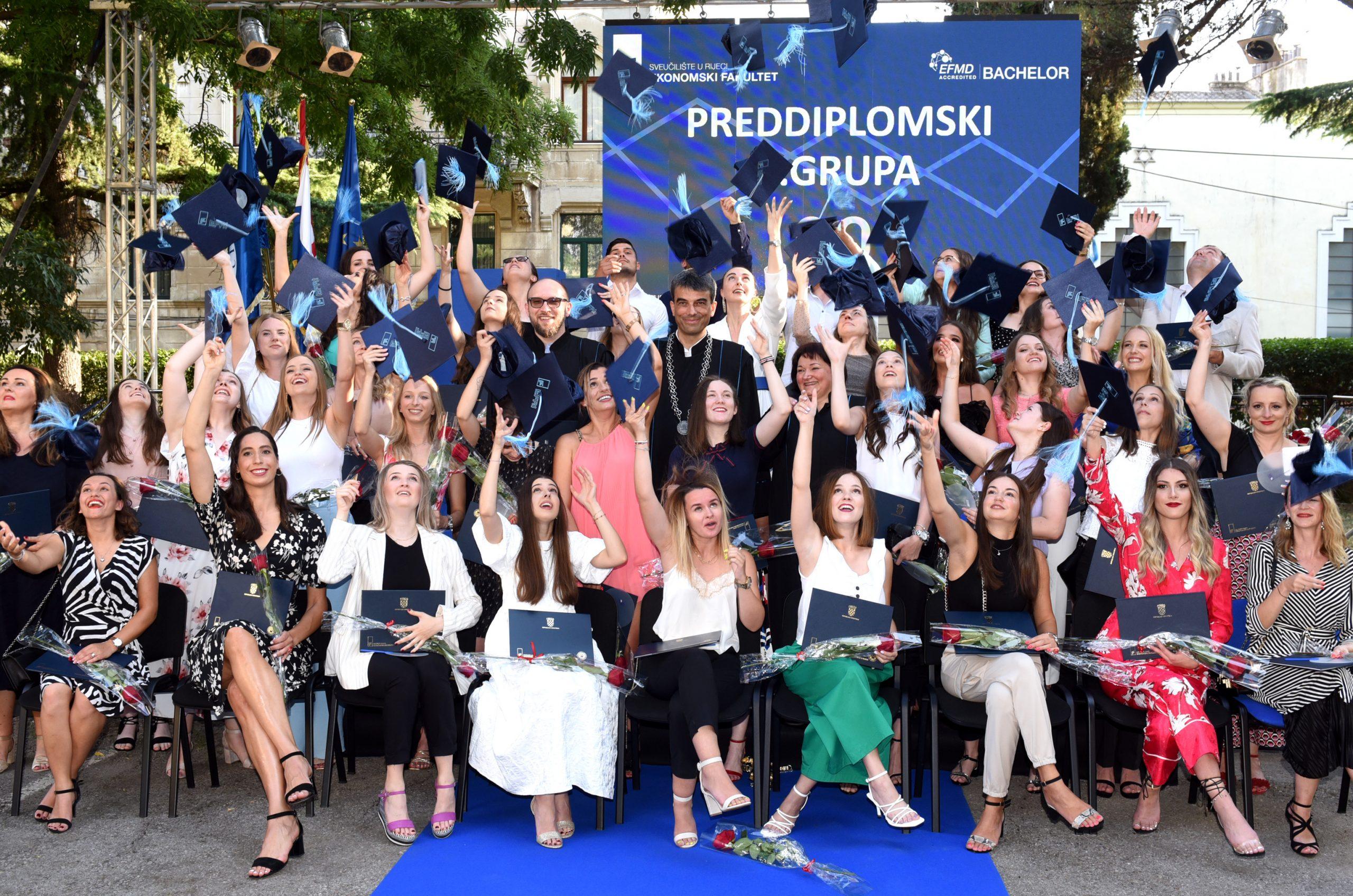 Ukupno je na Ekonomskom fakultetu u Rijeci promovirano 399 novih ekonomista / Foto M. GRACIN