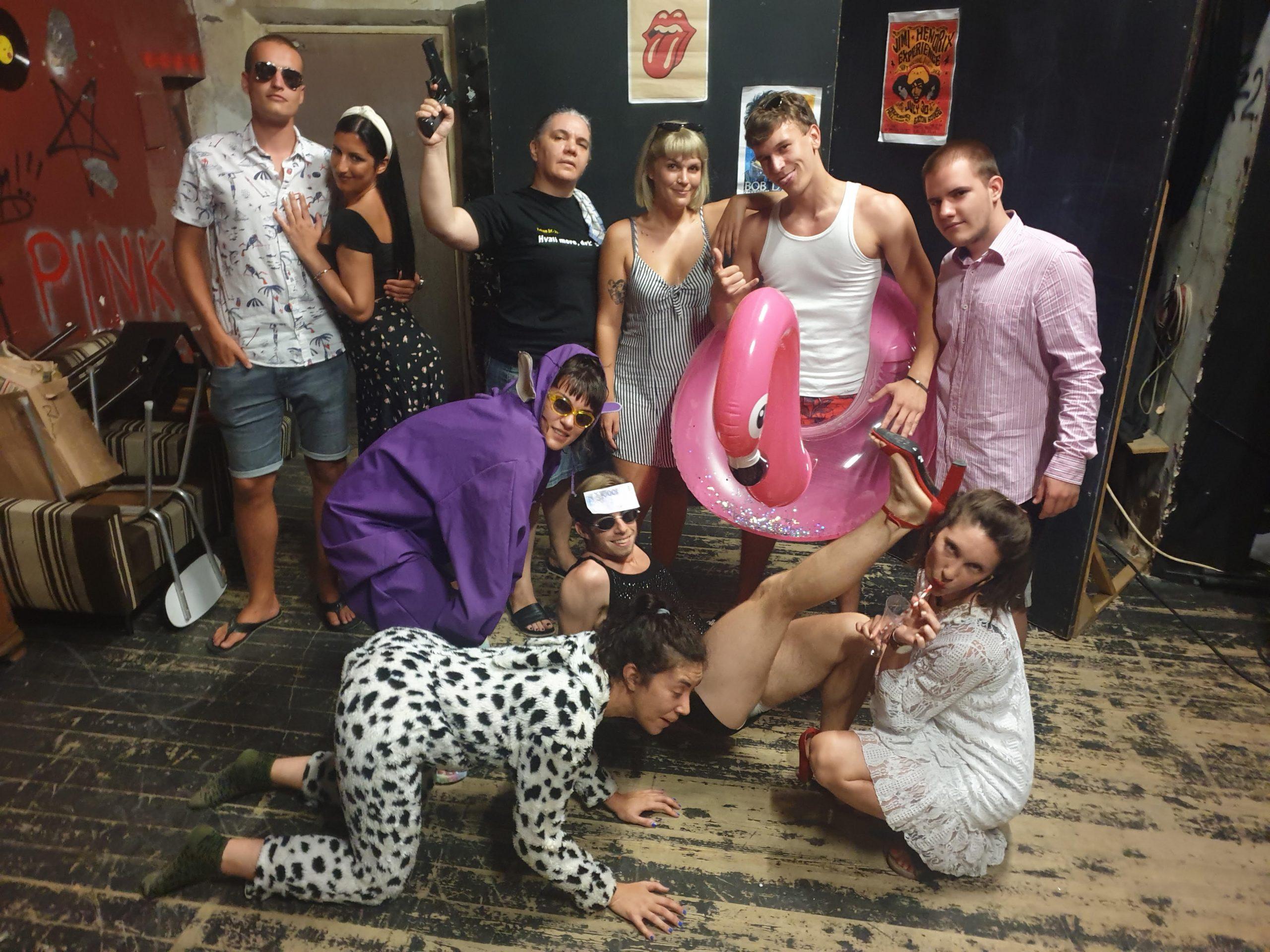 Glumci predstave »Tequila sunrise«