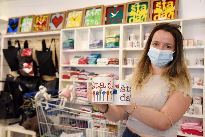 Turisti prepoznali riječku uzrečicu »Šta da?« – Amna Šeković / Foto Sergej DRECHSLER