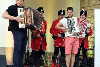 Svečanosti su ton dali i harmonikaši Jakov Krbavac i Danijel Mavar / Foto Marko Gracin