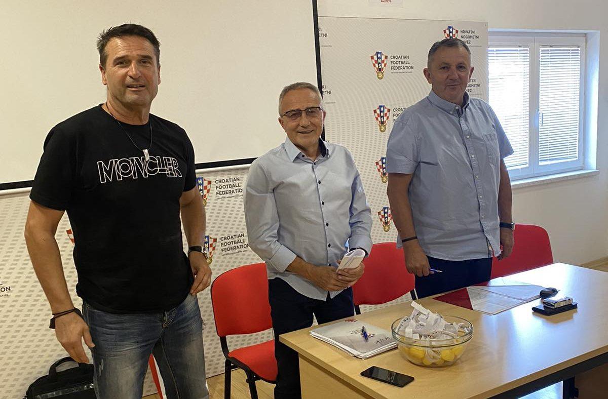 Marinko Koljanin, povjerenik Josip Brezni i Davor Ivić, predsjednik povjerenstva za Kup natjecanje