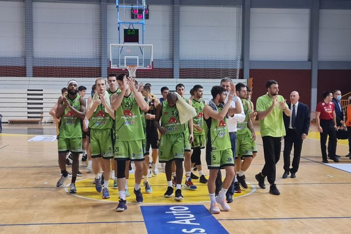 Slavlje AO Škrljeva nakon utakmice/Foto: Adria Oil Škrljevo (Facebook)