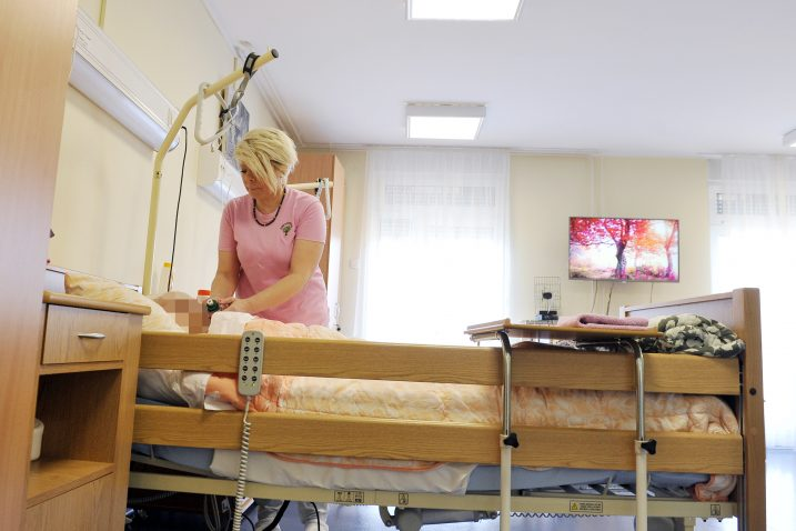 Obiteljski domovi najpopularniji su oblik organizirane skrbi o starijima / Foto ARHIVA NL