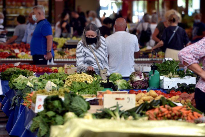 Trenutna inflacija do sada nije omela rast životnog standarda jer su plaće rasle više od inflacije / Foto : D. KOVAČEVIĆ
