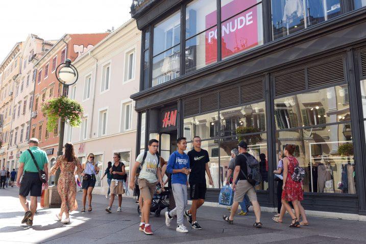 Najkasnije do konca rujna, H&M će otići iz »Karoline« / Foto Marko Gracin