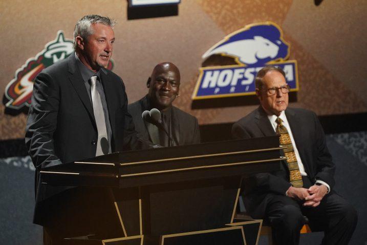 Toni Kukoč, Michael Jordan i Jerry Reinsdorf/Foto REUTERS