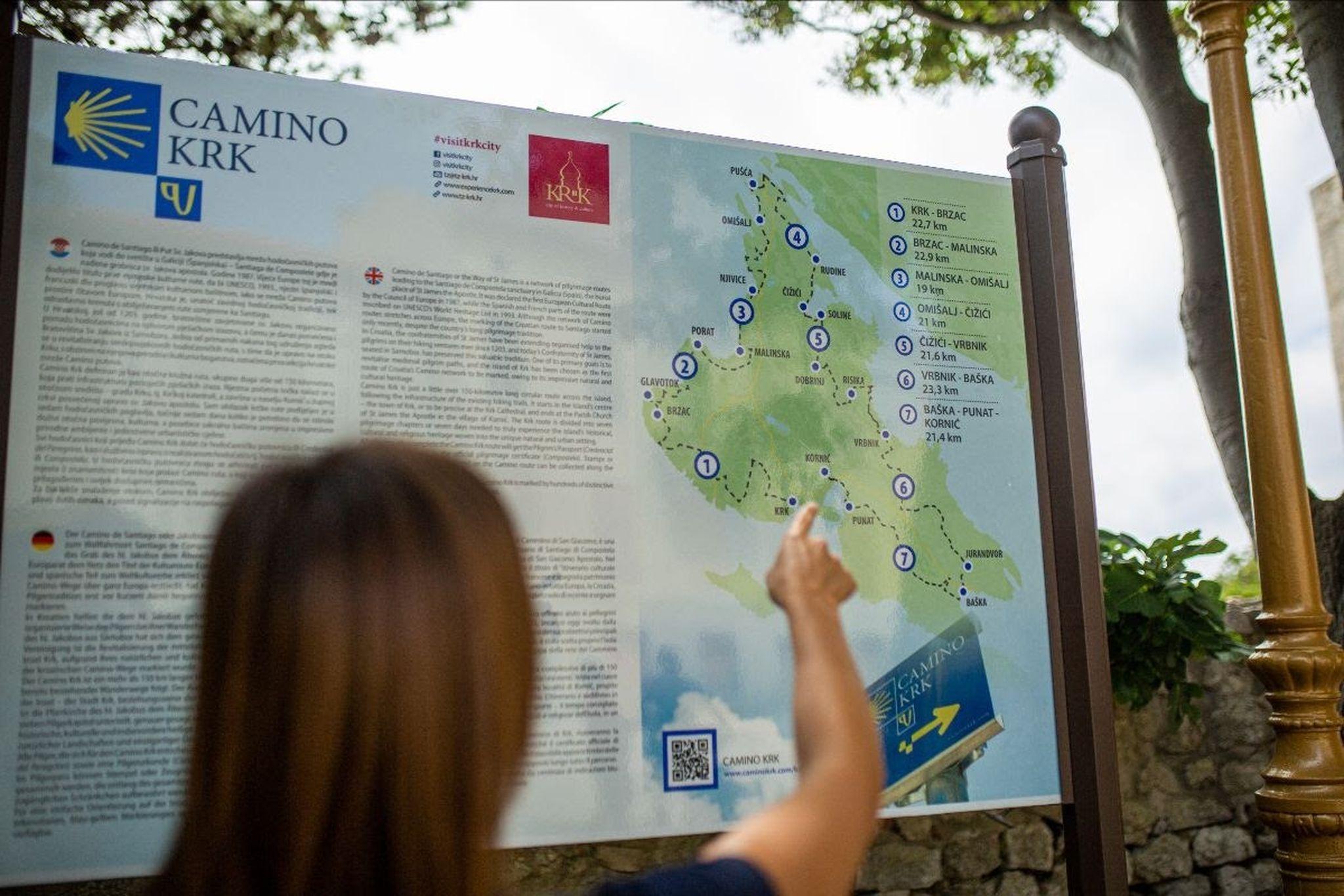 Početna točka 150 km duge krčke hodačasničke staze locirana je u parku na Kamplinu / Foto TZ KRK