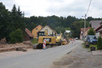 Obimni radovi na raskrižju prema Ravnoj Gori i Starom Lazu / Foto M. KRMPOTIĆ