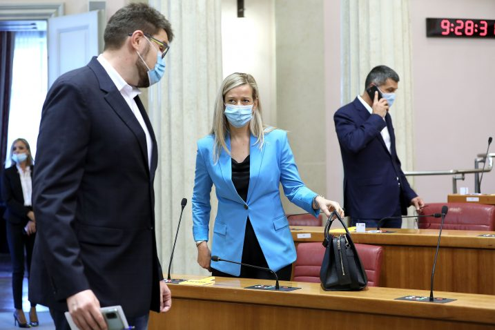 Glavni odbor trebao bi regulirati odnose s klubom zastupnika - Peđa Grbin i Mirela Ahmetović / Foto PATRIK MAČEK/PIXSELL