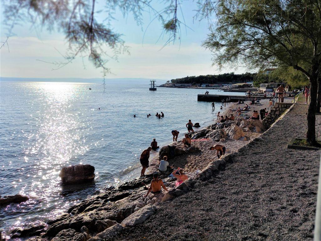 """""""Bablje ljeto"""" i dalje vuče u more, novljanska """"kupalnica"""" posjećena i krajem rujna"""