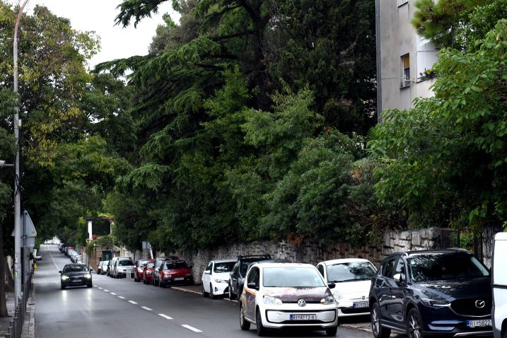 Najavljeno je uvođenje reda koje bi trebalo povećati sigurnost i stanara i prometa / Foto M. GRACIN
