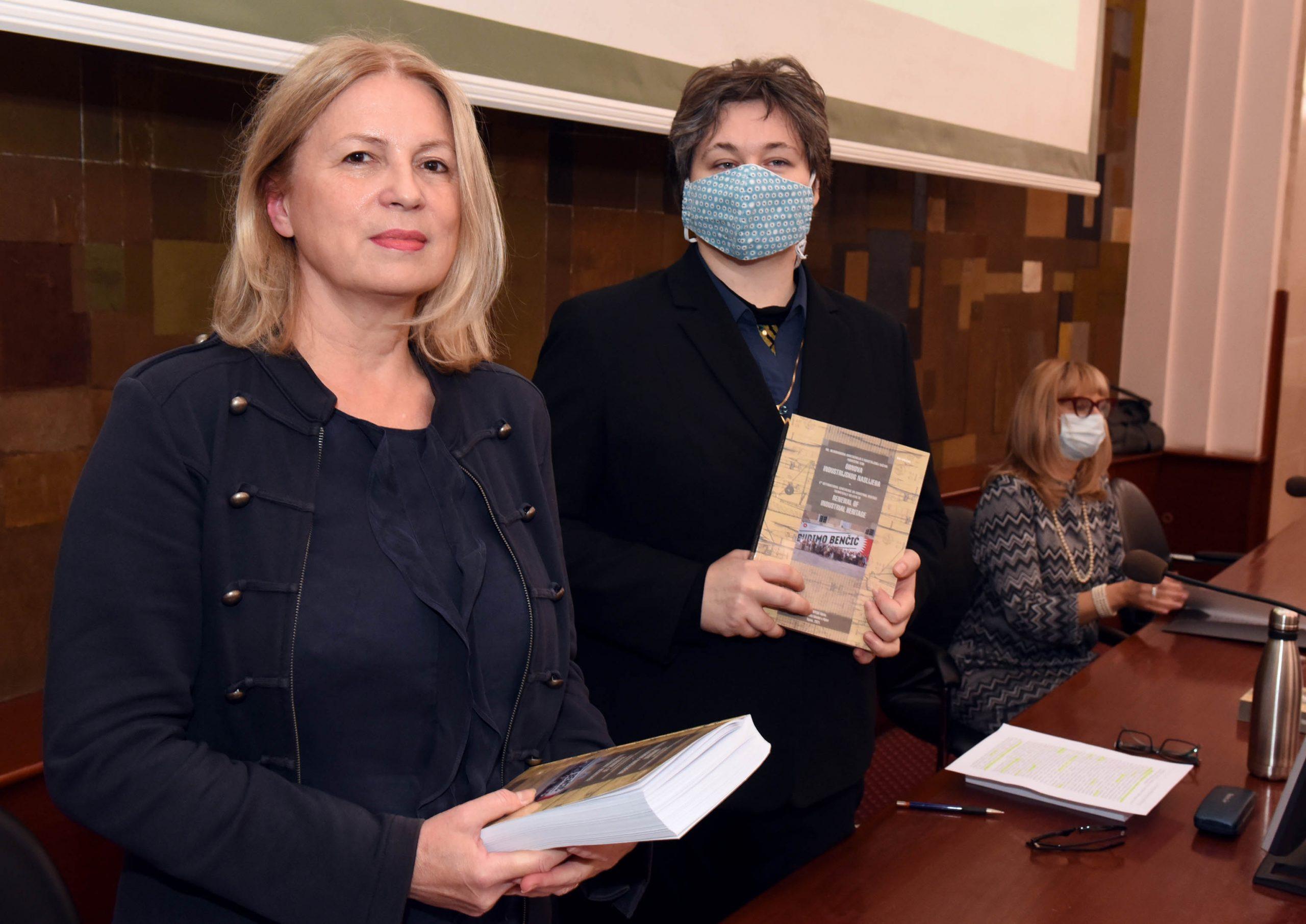Nana Palinić i Iva Mrak / Foto Marko Gracin