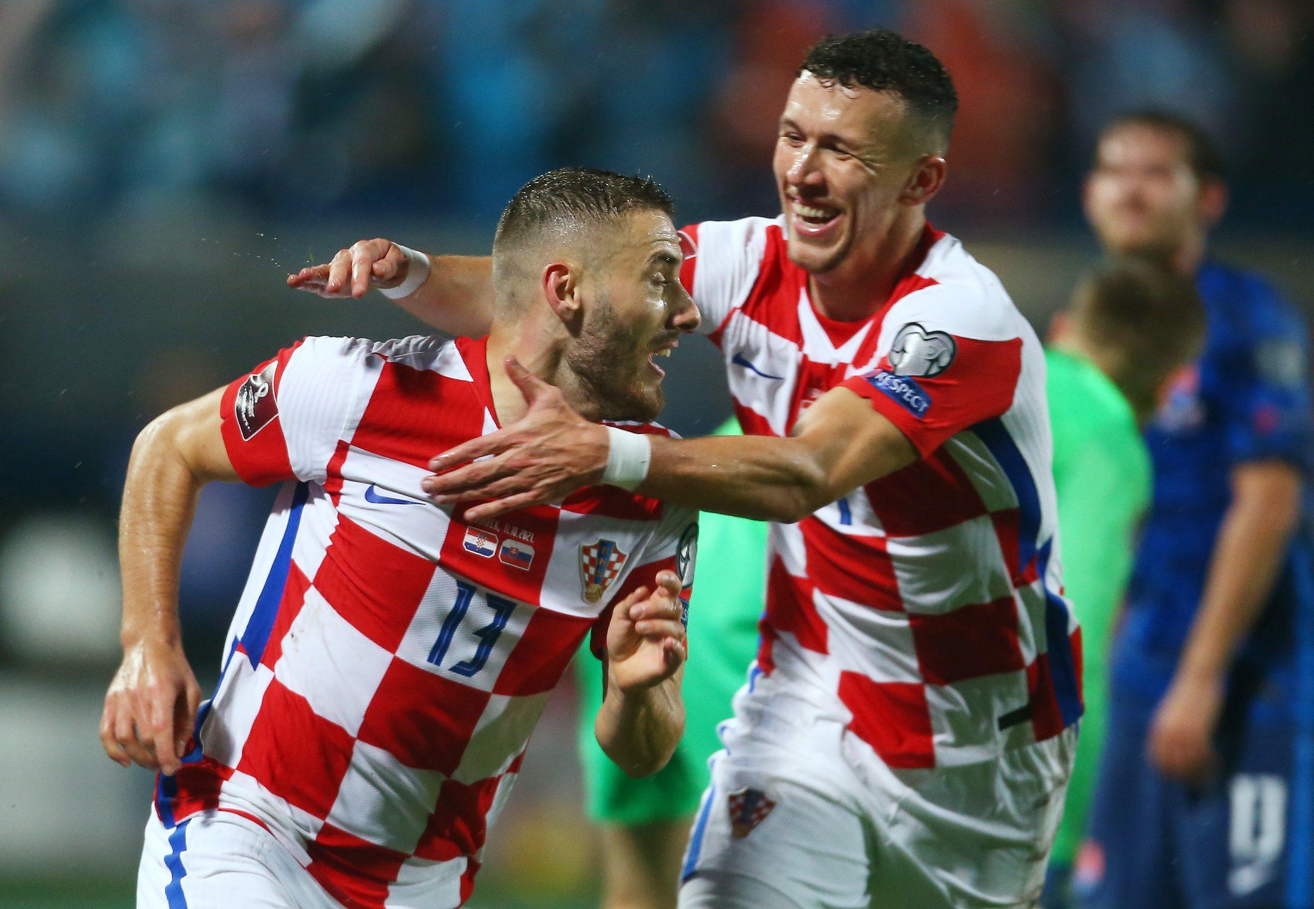 Nikola Vlašić i Ivan Perišić/Foto REUTERS