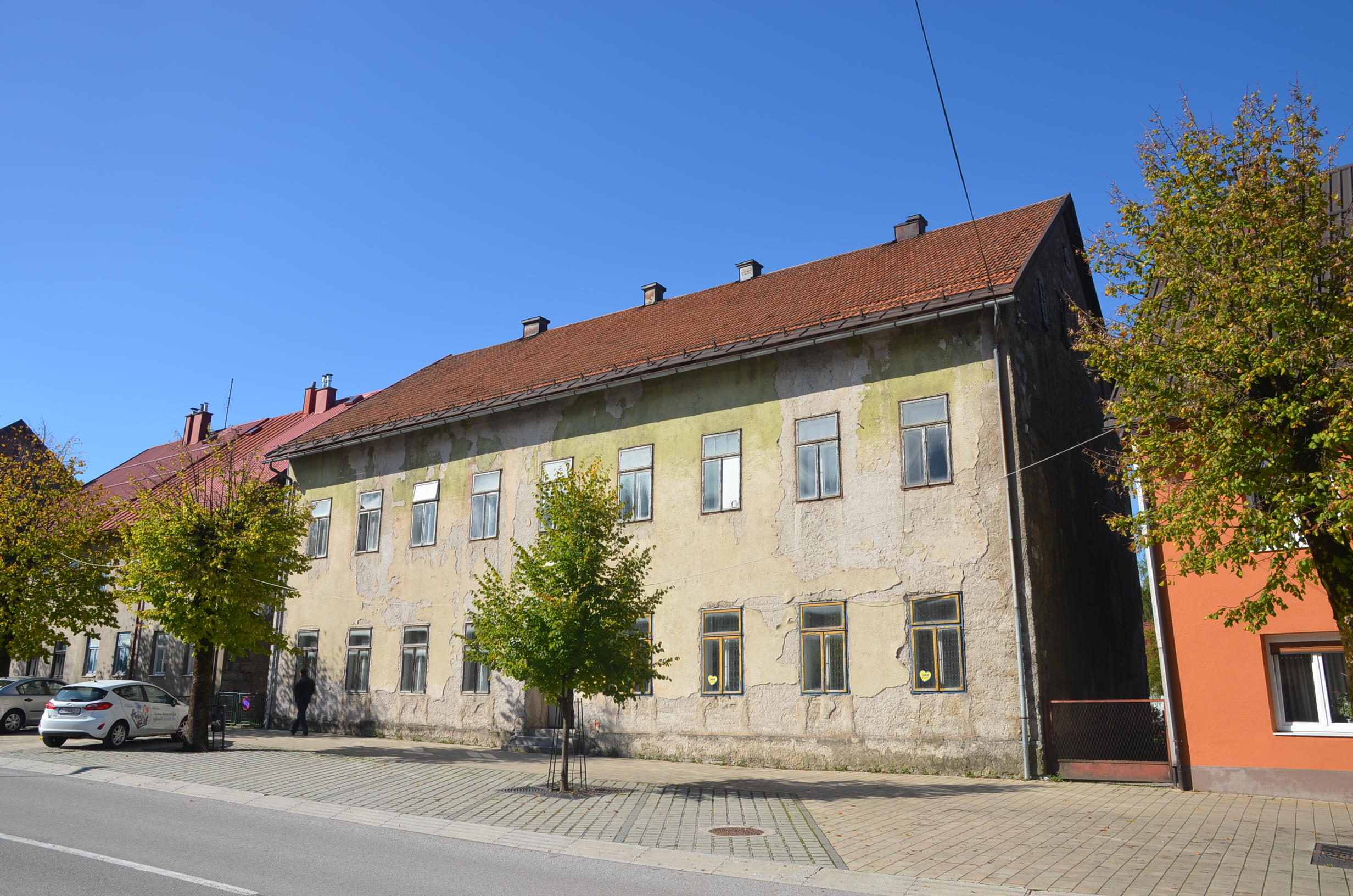 Grad Delnice za sljedeću godinu najavljuje dio poslova obnove zgrade nekadašnje Šumarske škole / Foto Marinko Krmpotić