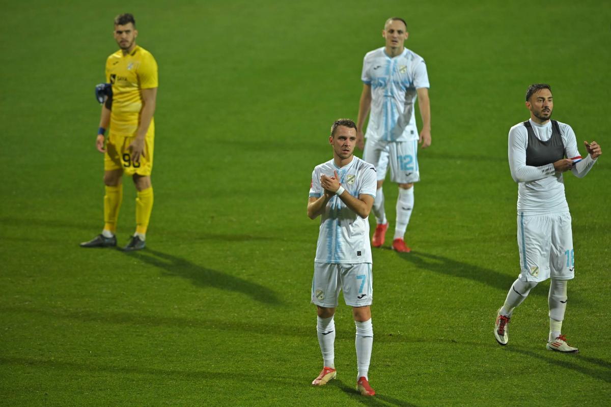 Razočaranje na licima nogometaša Rijeke/Foto M. LEVAK