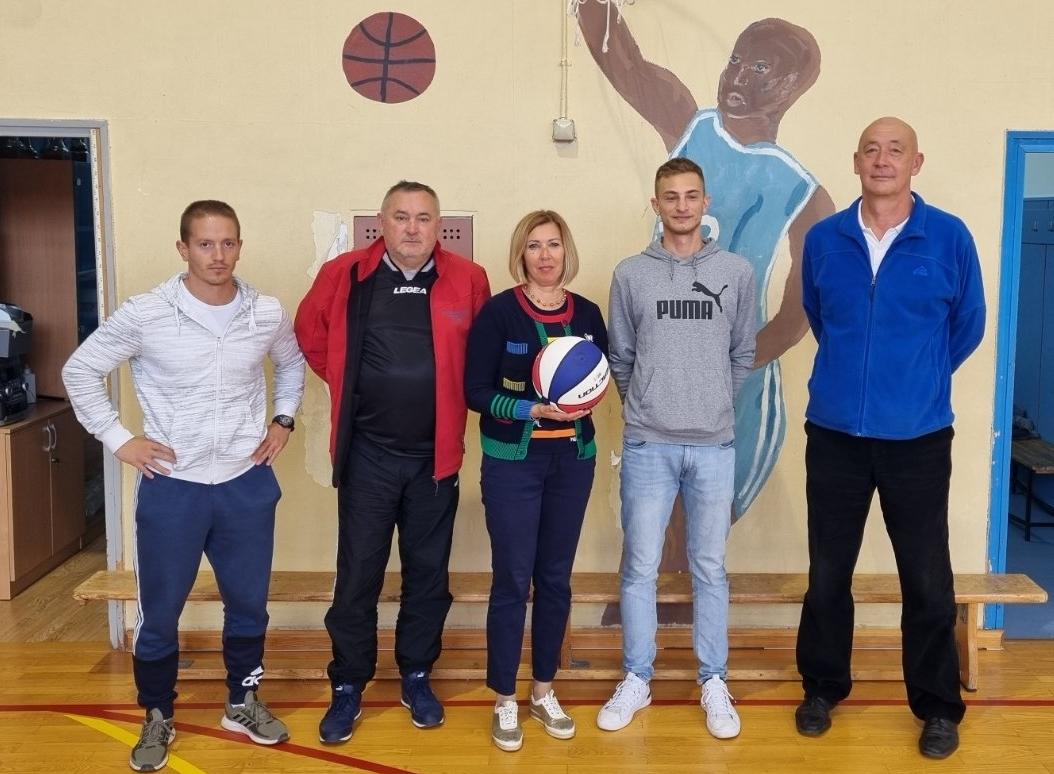Donacija košarkaškog kluba opatijskoj školi / Foto Marina Kirigin